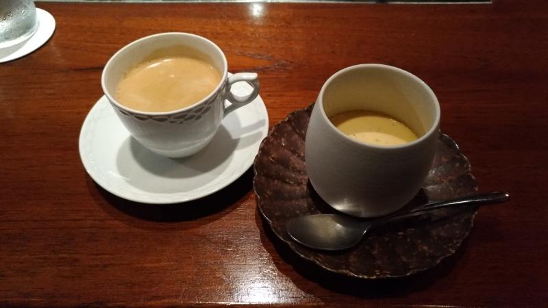 コーヒーとプリンの写真